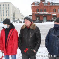 Возложение у памятника В Ленина-002