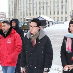 Возложение у памятника В Ленина-003