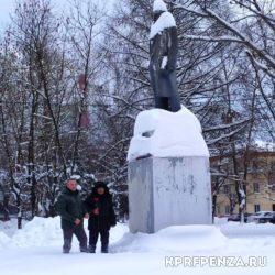 Возложение у памятника В Ленина-016